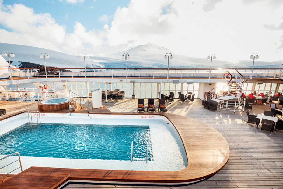 silversea-ship-silver-cloud-public-area-pool-deck-1.jpg