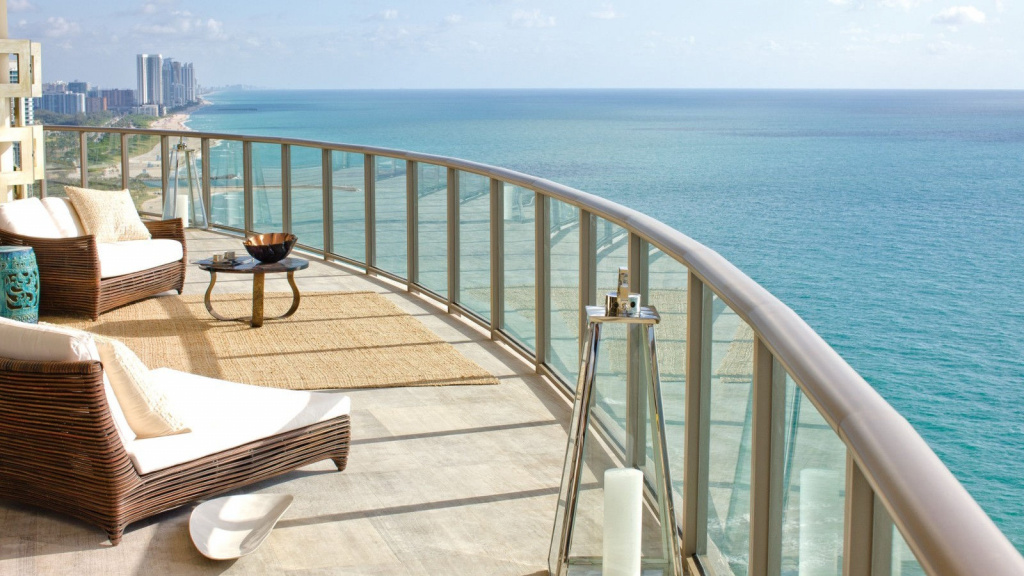 theresidencesatthestregisbalharbourresortbalcony.jpg